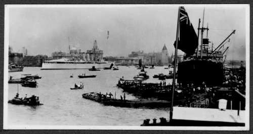 320 Huangpu-(Whangpu)-River;-arrival-of-steamer-&-the-Bund