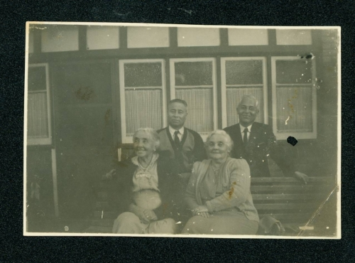 414 Dalton-Gockbo-(Bo)-and-William-Liu-standing-with-Barbara-Stephenson-and-Amy-Connolly-seated
