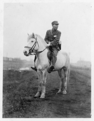 img168-Chinese-officer-on-horseback