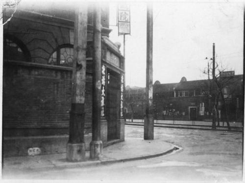 img208-Deserted-street-corner
