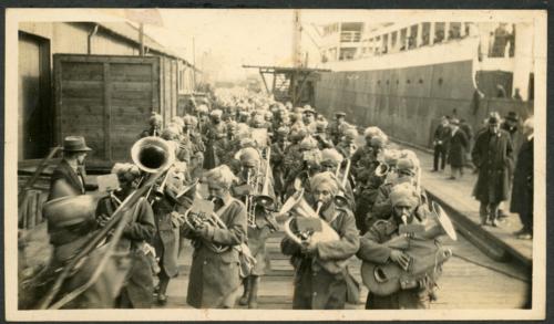 img621-Sikh-military-band